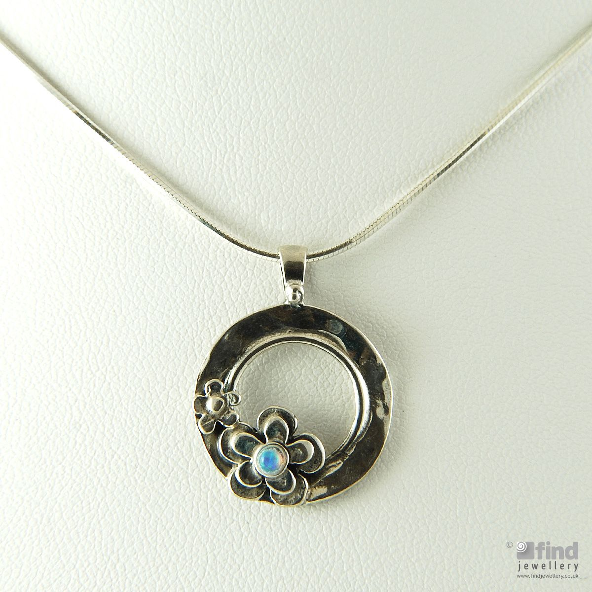 aviv silver sterling silver opal daisies pendant necklace