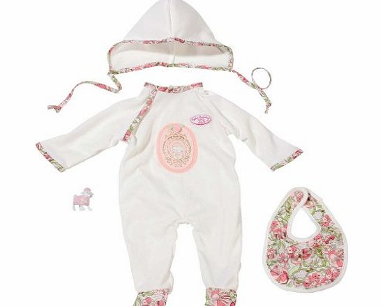 Your doll will look even cuter in these Baby Annabelle Classic Newborn Clothes. The set includes a romper, bib, hat, and toy sheep to give baby the best look ever. A grea (Barcode EAN = 4001167792704). - CLICK FOR MORE INFORMATION