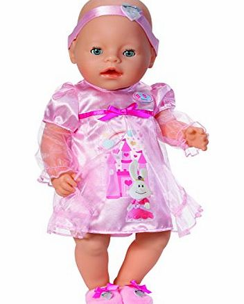 Your BABY born doll can now dress up in her beautiful princess sleeping dress. This dress has a cute castle themed rabbit image and a cute pink bow. Also included in this (Barcode EAN = 4001167820155). - CLICK FOR MORE INFORMATION