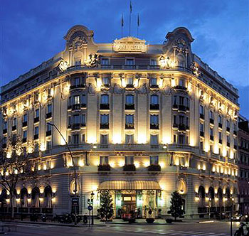 Cheap hotels barcelona gran hotel bar - Hotel palace de barcelona ...