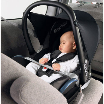 bebe confort maxi cosi cabriofix car seat in black. Black Bedroom Furniture Sets. Home Design Ideas