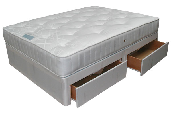 Bedworld discount beds chester 4 drawer divan set small for Double divan with drawers