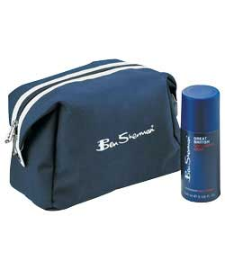 http://www.comparestoreprices.co.uk/images/be/ben-sherman-wash-bag-gift-set.jpg