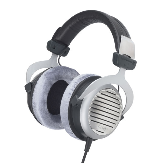 The sophisticated Beyerdynamic DT 990 Stereo headphones are perfect for enthusiasts and will satisfy you with a perfect sound and comfort. An astounding level of detail is coupled with a supremely comfortable listen. (Barcode EAN=4010118470370) - CLICK FOR MORE INFORMATION