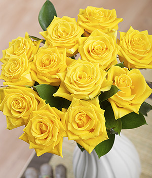 Bunches.co.uk 12 Yellow Roses FYR