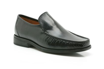 Clarks Aston Top Black Leather