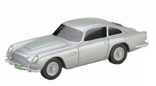 James Bond Casino Royale Showcase Aston Martin DB5