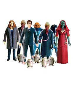 Recreate scenes from series 4 of Doctor Who with these 5in poseable action figures.One supplied.Styl - CLICK FOR MORE INFORMATION