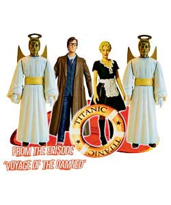 Recreate scenes from the Christmas episode with this gift set that includes the Doctor, Astrid and 2 - CLICK FOR MORE INFORMATION