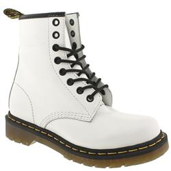 Female Dr Martens Greenland Leather Upper Casual in White