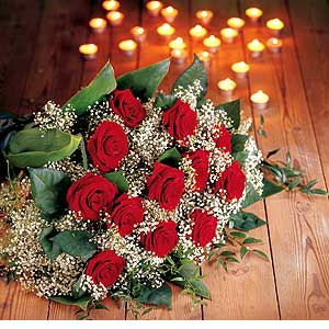 http://www.comparestoreprices.co.uk/images/fl/flowers-directory-12-red-rose-bouquet.jpg