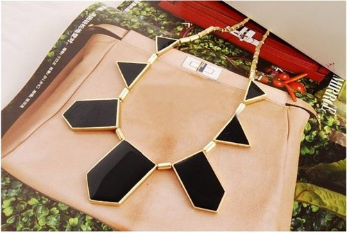 Hotportgift Exquisite Black Geometric Pendant Necklace Gold Tone Chain Costume Jewellery product image