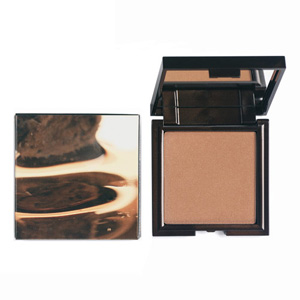 `Korres Colour Monoi Oil Bronzing Powder - Sunglow Warm A velvety, tinted powder that provides the skin with a naturally tanned look. Its formula allows gradual colour build-up and an even, flawless result. The Sunglow Light Shade is ideal for light  - CLICK FOR MORE INFORMATION