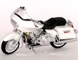 Die-cast Model Harley Davidson Road Glide (1:18 scale in White)