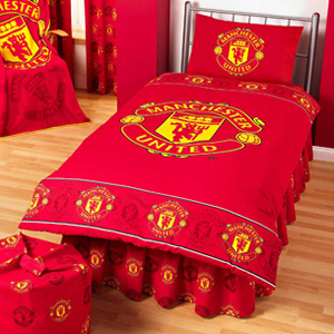 Manchester united border crest single duvet set review for Man u bedroom stuff