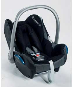 car seats maxi cosi maxi cosi cabrio fix red blue birth 12 months. Black Bedroom Furniture Sets. Home Design Ideas