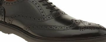 Momentum have really smartened up their act, and the Diffuse Brogue is the perfect example of their new smart/casual style. The black leather shoe features iconic wing-tip and punch-hole detailing, with burgundy accents to finish. Leather upper. Leat - CLICK FOR MORE INFORMATION