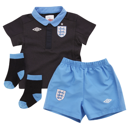 Find great deals on eBay for boys football kits. Shop with confidence.