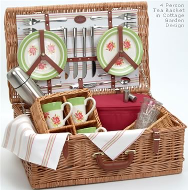 Optima Traditional Picnic Basket for 4 People