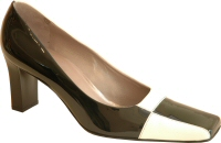 Peter Kaiser black and white patent leather courtshoe