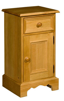 Rossendale Pine drawer and right hinged cupboard bedside cabinet. Rossendale pine bedroom furniture features grooved detail on drawers and neat carved plinths. There is a wide selection to choose from and Rossendale furniture is available in a range  - CLICK FOR MORE INFORMATION
