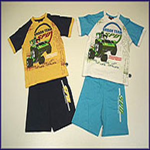 Power Rangers SPD Pyjamas featuring the Green Power Ranger in action. Short Sleeved and Legged with - CLICK FOR MORE INFORMATION