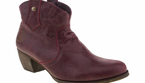 Red Or Dead Burgundy Mountain Boots