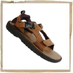 Reef Mundaka IV Sandal Trainer Comfort & Stability Full Grain Leather Upper Leather with Molded EVA Footbed Grippy Rubber Outsole Sandal Style & Breathability Velcro Fastenings & Padded Straps Reef Code: 2549 - CLICK FOR MORE INFORMATION