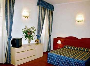 Rome cheap hotels for Hotel augustea rome