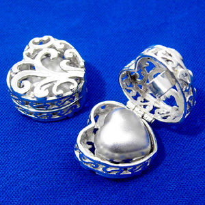 Silver Filigree Heart Token