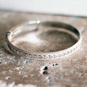 SILVER Heart Expanding Baby Bangle