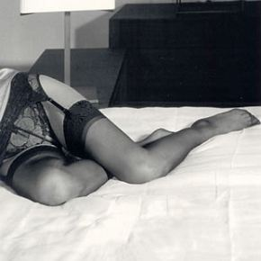 Sockshop Ladies 1 Pair 10 Denier Classic Nylon Lace Top Stockings Large - Natural