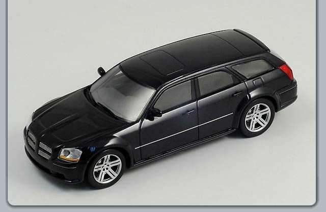 Dodge Magnum SRT-8 2006 in Dark Silver
