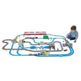 THOMAS THE TANK ENGINE AND FRIENDS - THOMAS ULTIMATE TRAIN SET