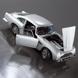 This thrilling 1:18 scale die cast replica of the classic DB5 is accurate to the smallest detail