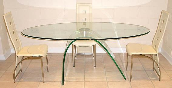 Cornelius dining table