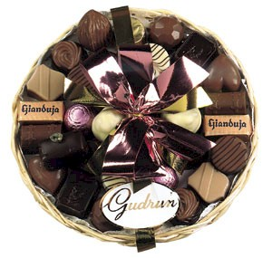 http://www.comparestoreprices.co.uk/images/unbranded/f/unbranded-finest-belgian-chocolates-in-basket.jpg