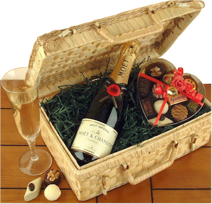unbranded-gift-of-romance-romantic-gift-basket