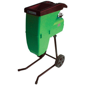 Recycle the waste in your garden with this powerful shredder. Equipped with a quiet self-feeding sys