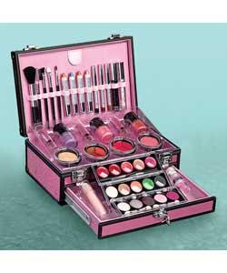 buy cosmetic online in Europe