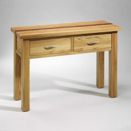 In any corner of your home, the Westminster Oak conaole table will give you that extra helpful surface space, ideal for a lamp or plant. Made to the highest standard, the Westminster Oak console table is both affordable and stylish. We also have matc - CLICK FOR MORE INFORMATION